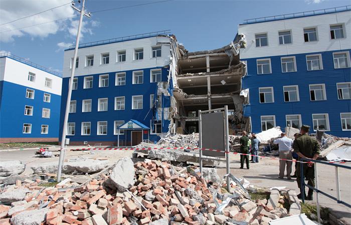Обрушение казармы в Омске, 2015 г.