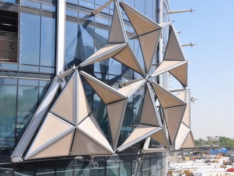 Монтаж динамического фасада