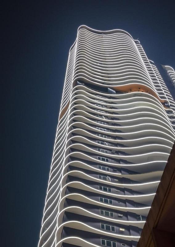 Высота Anchor Skysuites - 190 м / 56 этажей