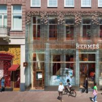 Фасад из стеклянных кирпичей в Амстердаме