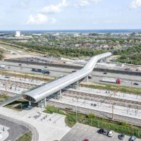 Футуристический мостовой переход-станция в Дании