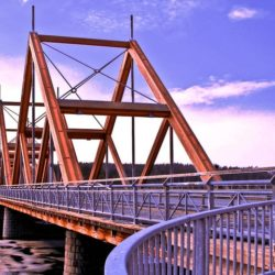 Деревянный мост Vihantasalmi в Финляндии