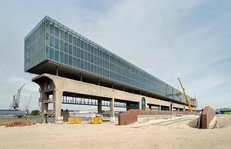 Реконструкция судоремонтной крановой эстакады под трехэтажное здание