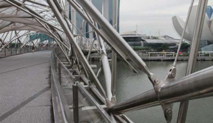 Helix Bridge — мост из нержавейки в Сингапуре
