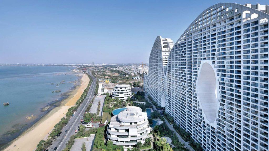 Невероятное здание - горный хребет от MAD Architects