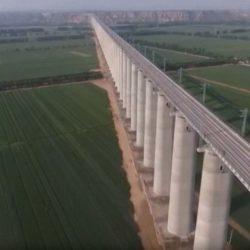 В Китае проводят тестирование мега-сооружения — железнодорожного виадука Фенхэ Менхуа