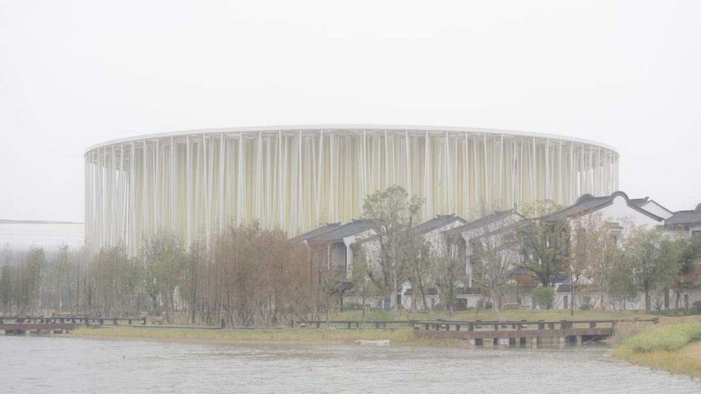 В Китае завершено строительство театра в бамбуковом лесу