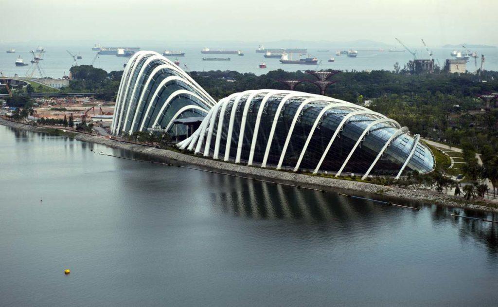 Комплекс оранжерей в Саду у залива в Сингапуре