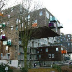 Комплекс социального жилья WoZoCo с эффектными консолями