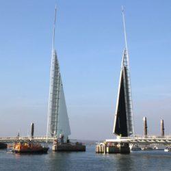 Мост Twin Sails Bridge в Великобритании