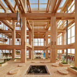 Деревянная «вертикальная ферма» в Японии