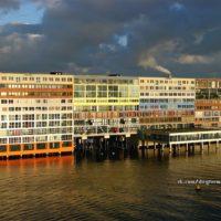 Silodam в Амстердаме