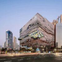 В Корее построили необычное здание-камень