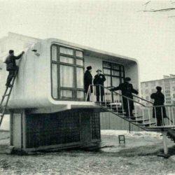 Здание из пластмассовых тюбингов – советский коттедж-конструктор