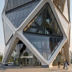 Poly International Plaza: здание с экзоскелетом