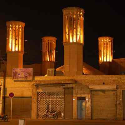 Бадгиры - сооружения для вентиляции зданий и кондиционирования воздуха в древнем Иране