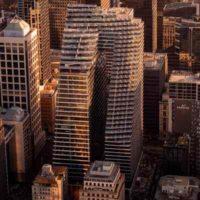 Collins Arch — многоцелевой небоскреб с небесным мостом в Мельбурне