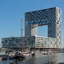 Pontsteiger — масштабный жилой комплекс в Амстердаме необычной формы