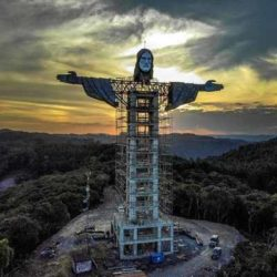 В Бразилии строится огромная статуя Иисуса Христа