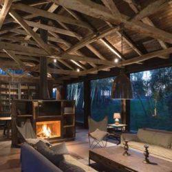 Реконструкция старого амбара под стильный загородный дом в Чили