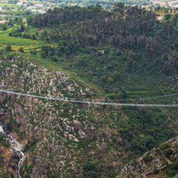 В Португалии открыт самый длинный подвесной пешеходный мост в мире
