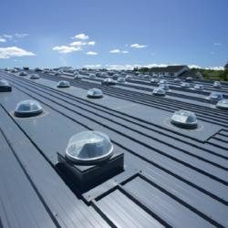 Световоды и отраженный свет: как изменятся нормы проектирования естественного и совмещенного освещения производственных зданий