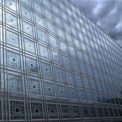 Светопропускающие элементы в структуре фасадов общественных зданий